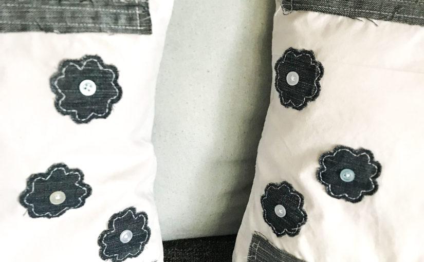 Kissenbezug mit Hotelverschluss – appliziert mit Jeansresten