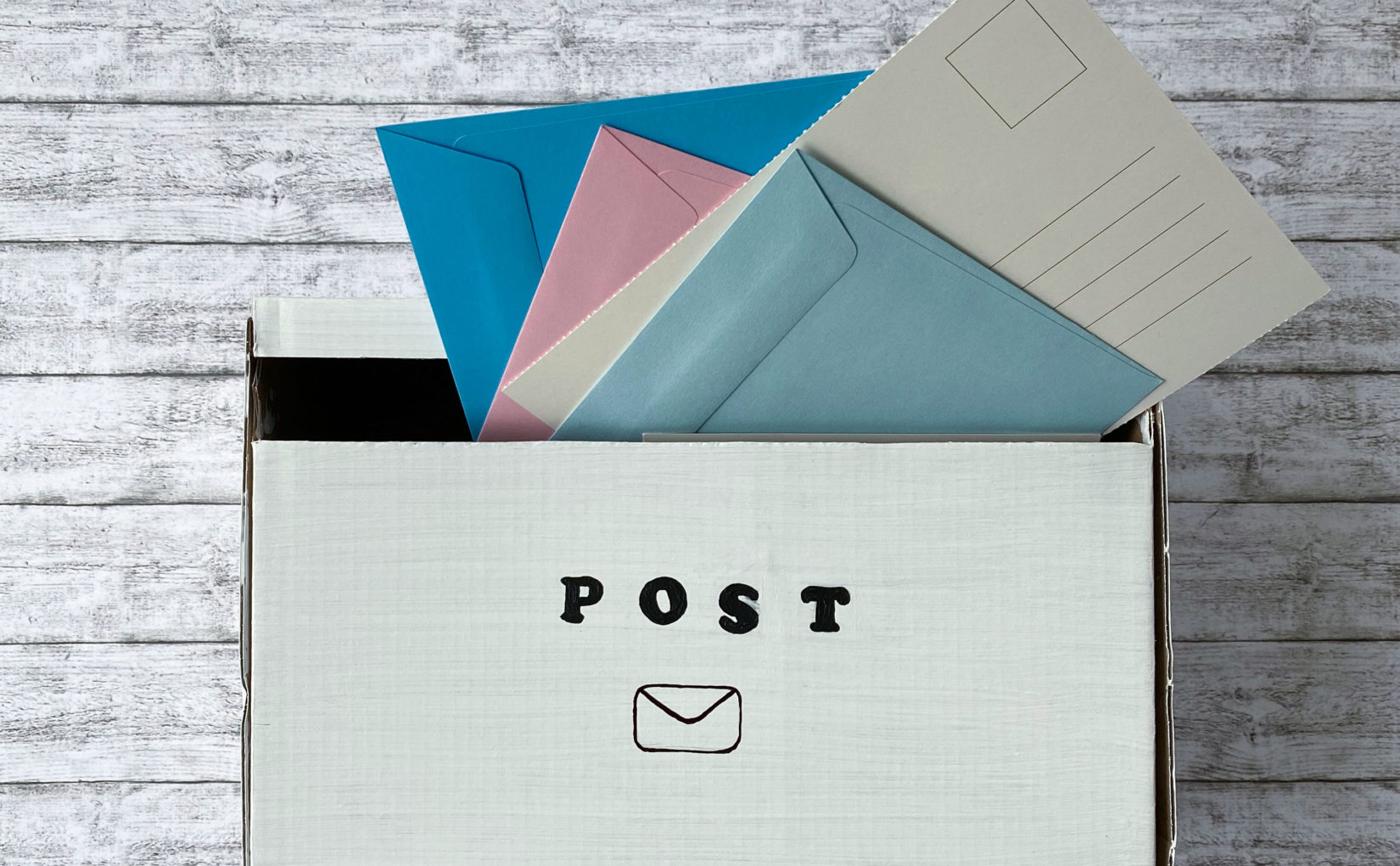 Ein Briefkasten für die Zimmertür