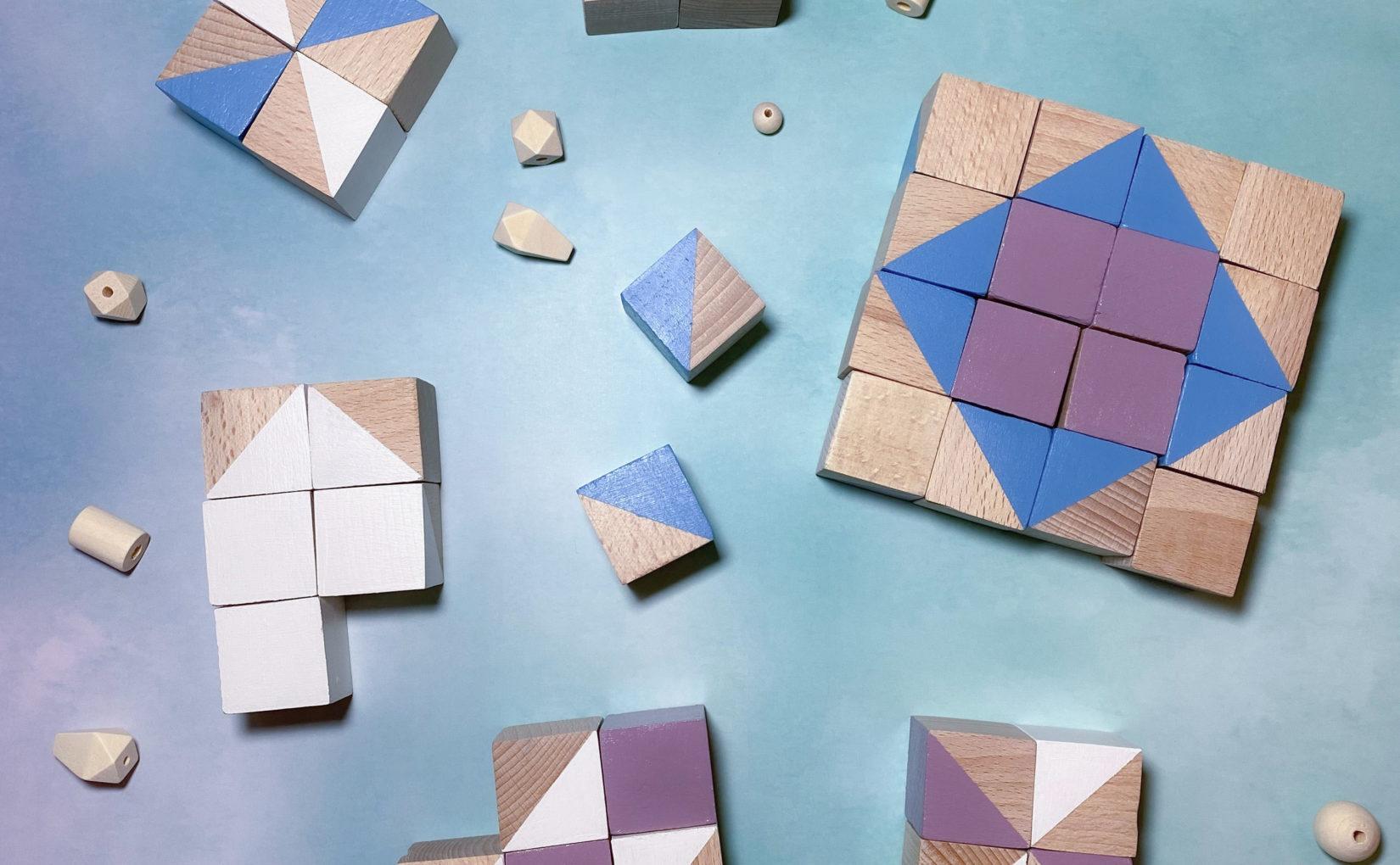 Muster legen mit Holzbausteinen