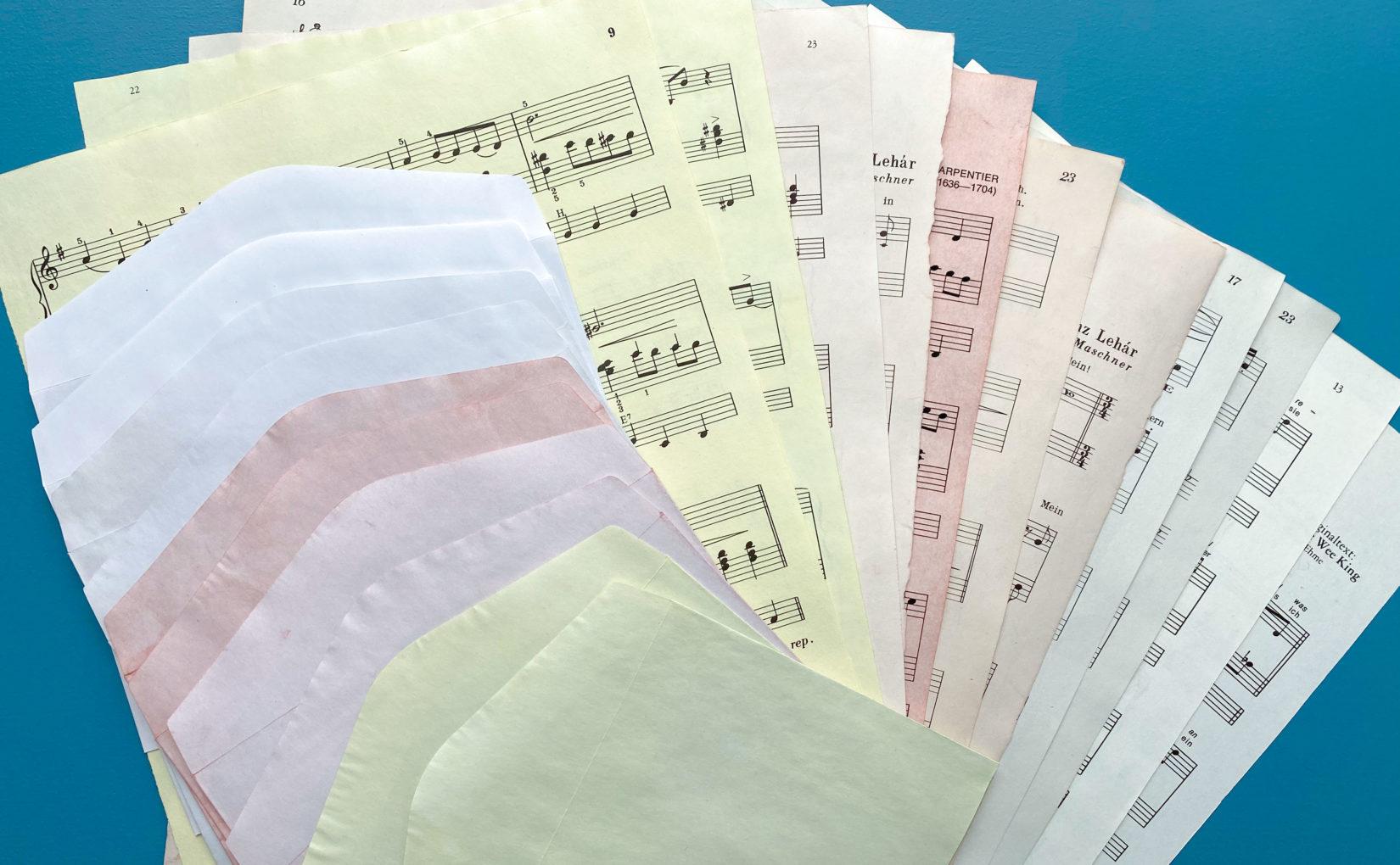 Papier natürlich färben